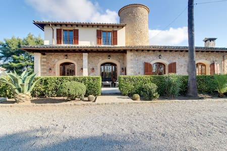 Finca Es Raconet · Gorgeous 5bedroom,pool & tennis - Hus