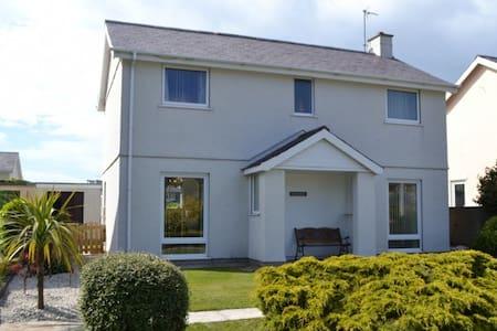 Beautiful House Near Nefyn Beach - Casa