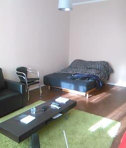 Tolles Zimmer in Friedrichshain! - Berlin - Apartment