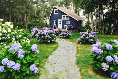 Seaside Cottage on the Bay of Fundy - Centreville - Cabin