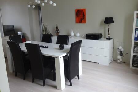 appartement de80 m² - Lakás
