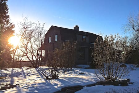 Country Modern Retreat with Amazing Views - East Chatham - 獨棟
