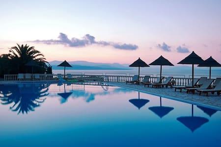 Luxury Room (sea view & breakfast) - Corfú - Bed & Breakfast
