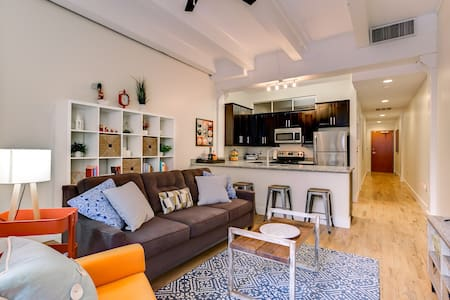 Cozy Downtown Apt Steps from Quarter + Convention - Nueva Orleans - Departamento