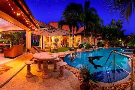 Luxury Private Villa Holiday Rental - Pattaya