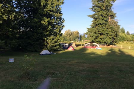 Camping, private, 420, showers,wifi - Monroe