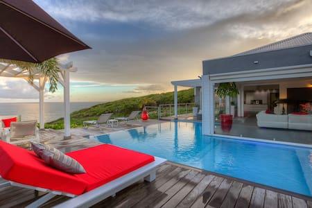 Villa Paradise classée5 * un rêve au bord de l'eau - Villa