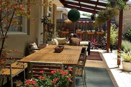 墨尔本华人区安静环境好的别墅客房 - Glen Waverley - Villa