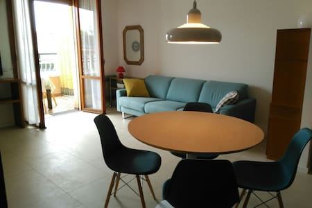 Bellaria center, close to beach, large balcony - Huoneisto