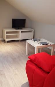 beau studio meublé - Byt