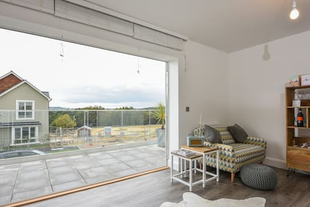 New light & airy Scandi chic w/bath - Tunbridge Wells - House