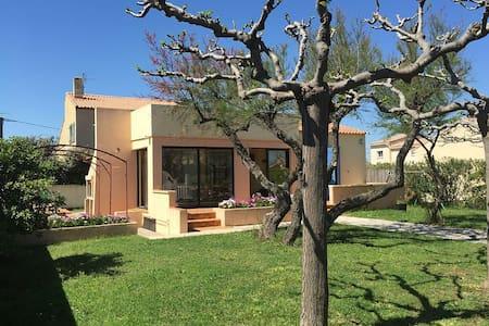 maison en bord de mer avec jardin - Frontignan