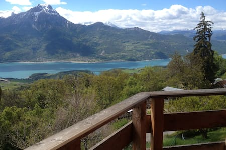 chalet bois vue d'exception sur lac serre ponçon - Savines-le-Lac - Chalet