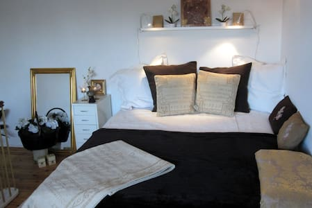 Privat/own rooms by the harbour - Appartamento