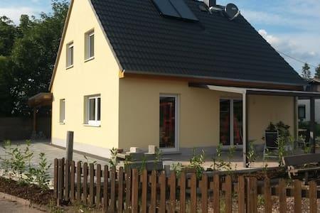 Nackterhof - Neuleiningen