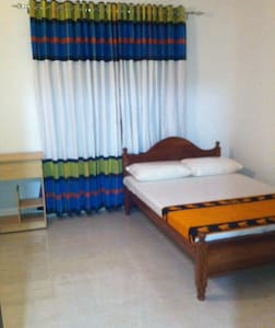 Affordable & Brand new rooms - Bentota - Hus