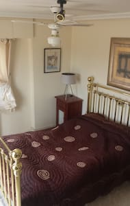 DOUBLE ROOM WITH TERRACE (bed and breakfast) - El Bacarot - Chatka w górach