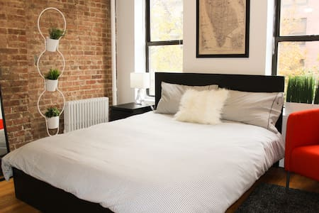 Feel the comfort of this large, private room with new furniture during your stay in Manhattan. Centrally located near Times Square with easy access to main subways. Walking distance to Central Park.