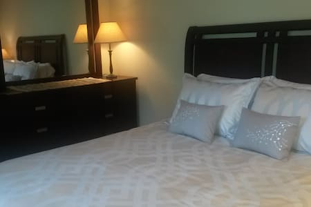 Private Mother In Law Apartment. Separate entrance - Kenmore - Appartement