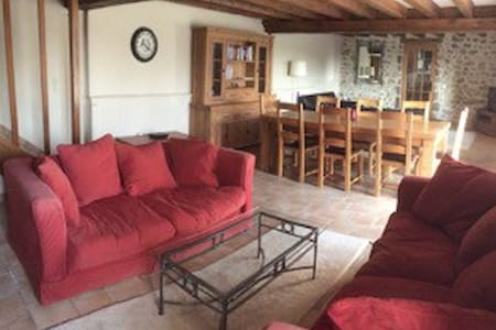 Beautiful detached country home - Izé