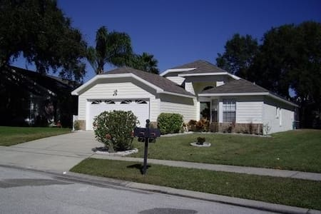 Home with private pool 10min drive from theme park kissimmee villa