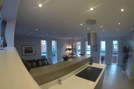 Luxurious house Central Cheltenham - Talo