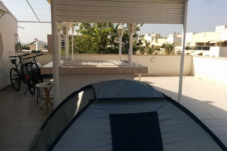 Camp on the roof with home amenities! - Tel Aviv-Yafo