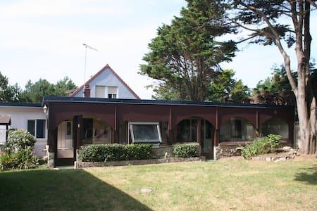 Maisonnette bord de mer - Denneville - House