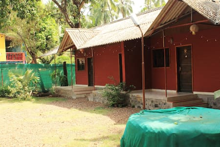 Rejoice Holiday Home - Raigad - Bed & Breakfast