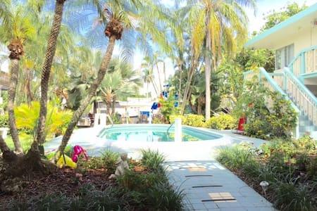 Aquamar poolside efficiency 4A - Fort Lauderdale - Wohnung