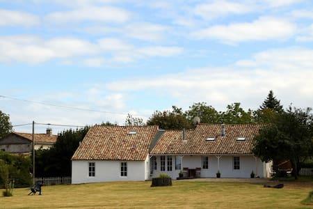 4 Bed French Countryside House - Saint-Dizant-du-Bois