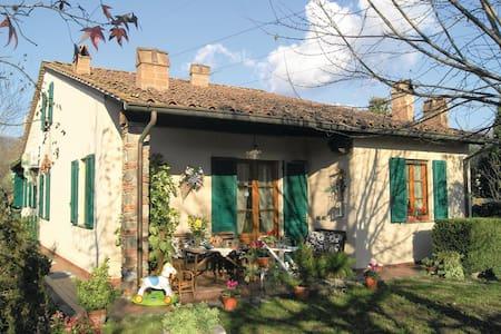 VILLA MARILLA . Classic Tuscan House for CHRISTMAS - Capannori