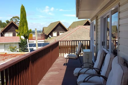 Spacious pvt room no1 on main route - Tauranga - Bed & Breakfast