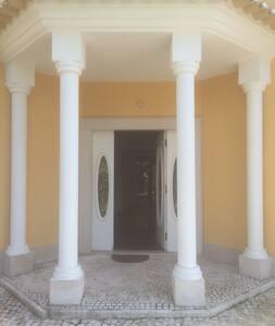 Moradia p/ arrendar - Herdade d'Aroeira (Charneca) - Aroeira