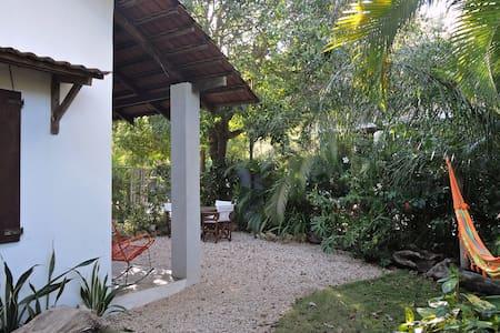 Casa Gitza Beach cottage, Montezuma with AC - Montezuma - House
