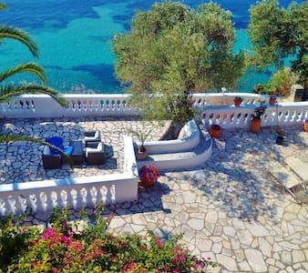 Gerekos Villa & its private beach - Korfu
