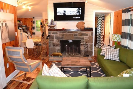 Updated And Cozy 3 bedrooms - Ház