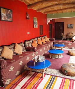 A double room in a friendly Berber homestay - Imintanoute - Guesthouse