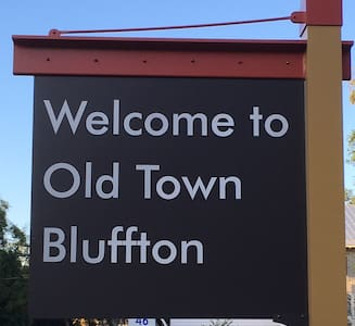 Old Town Bluffton Carriage Apt. - ブラフトン