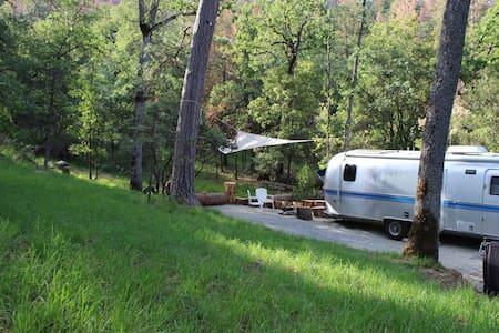 Yosemite Airstream - Coarsegold