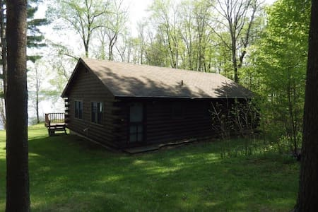 Charming 3BR Lakefront Cottage - Cabin