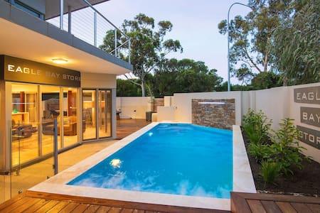 Eagle Bay Store - Luxurious Beachside Villa - Eagle Bay - Villa
