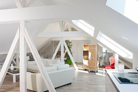 Helles Loft - im Schwabenlände - Appartement