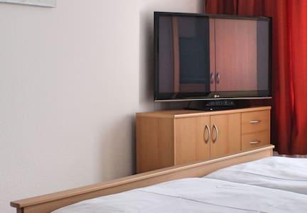 Gemütliches Apartment mit Küche und Badezimmer - Wohnung