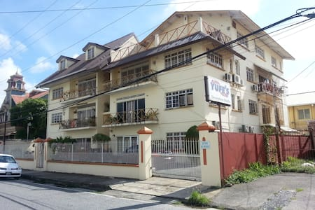 Business/casual chic Apartment - Port-of-Spain