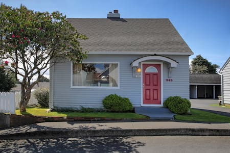 Holladay House 3BR Home Close to Ocean & Downtown - Haus
