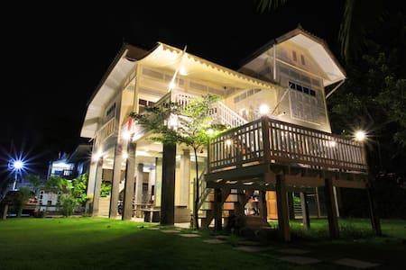 1301Hostels Ayutthaya Mixed Dorm 260THB per person - Rumah