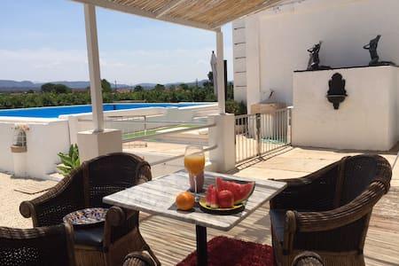 El Castellet - Villa