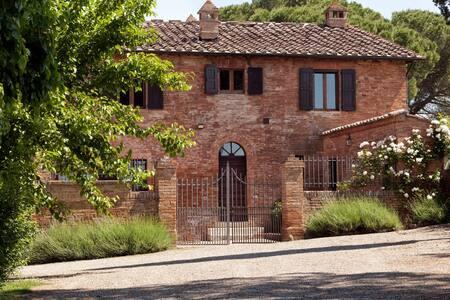 La Villa – Buonconvento - Serravalle - Villa