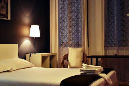 -BED AND BREAKFAST-  ROMANTIC ROOOM MARGHERITA - Bed & Breakfast